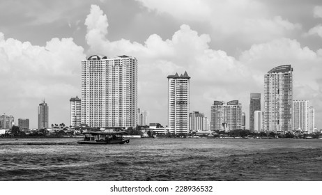 BANGKOK, THAILAND - OCTOBER 31, 2014: Cityscape of Bangkok, capital of Thailand. The city occupies 1.568 square kilometers in the Chao Phraya River with a population of over 8 million inhabitants.