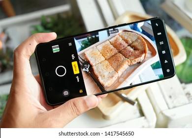 BANGKOK THAILAND : OPPO launch new smartphone OPPO RENO 10x Zoom on June 4 ,2019 bangkok ,thailand - ภาพ