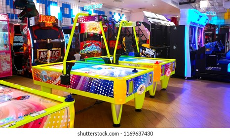 BANGKOK, THAILAND - SEP 1 : Warp Zone Arcade Game Center at Emporium Shopping Mall on September 1, 2018 in Bangkok, Thailand. Warp Zone is a fun area for gamer.