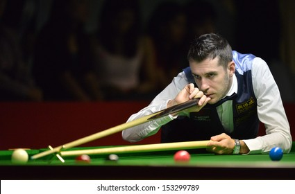 Bangkok, Thailand - SEP 5:Mark Selby of England participates in a Sangsom Six-red World Championship 2013 at Montien Riverside Hotel on September 5, 2013 in Bangkok, Thailand.
