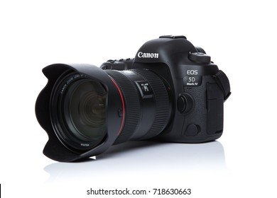 BANGKOK, THAILAND - September 20,2017: Photo of Canon eos 5d mark iv camera with EF 24-70 f2.8l ii Lens on white background
