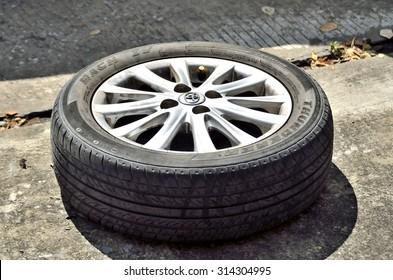 BANGKOK, THAILAND - SEPTEMBER 7,2015 : Standard Toyota Vios alloy magnesium wheels (Selective focus).