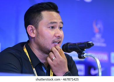 BANGKOK THAILAND-JULY15:RAKPHOL SAINETNGAM of Chonburi Bluewave Pre-Conference during AFC FUTSAL CLUB CHAMPIONSHIP2016Match Chonburi Bluewave and Nagoya Oceans at Bangkok Arena Stadium on July15,2016