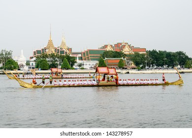 "BANGKOK, THAILAND-NOV. 2 :The rehearsals Royal barge procession on the Chao Phraya river for a traditional royal ""Kratin"" ceremony marking the end of buddhist lent on November 2, 2012 in Bangkok"