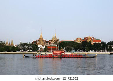 BANGKOK, THAILAND-NOVEMBER 6:The Royal Barge Procession Exercises on the occasion for Royal Kathin ceremony at Chaopraya river,on November 6,2012 in Bangkok,Thailand