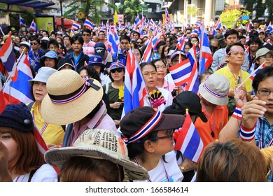 BANGKOK-Dec 9:Unidentified Thai protesters rally from Silom road to the Government House to anti amnesty bill on Dec 9, 2013 in Bangkok, Thailand.