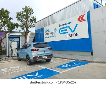 Bangkok,Thailand 1 Jun 2021:PTT joins forces with Foxconn, a joint venture partner of more than 1 billion dollars.Building a car manufacturing platform Comprehensive electric power in the country