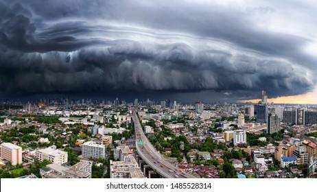 Bangkok,Thailand, - 3 Sep 2018 : The Arcus cloud or shelf cloud storm over the downtown of Bangkok, Thailand sep 3 2018