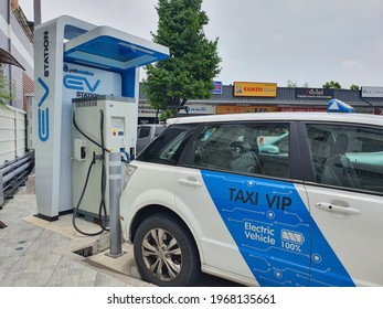 Bangkok,Thailand 3May 2021: PTT gas station allows public electric taxis to charge for free to help reduce air pollution.