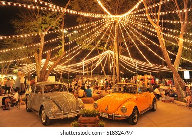 BANGKOK,THAILAND - february 28 : Box Space flea market at night time on Paholyothin Road on  february 28,2016 in Bangkok, Thailand.