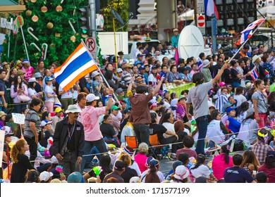 BANGKOK,THAILAND- JANUARY 15 : Thousands of protesters walked for anti government corruption (Prime Minister Yingluck Shinawatra ) at central Bangkok. on January 15,2014 in Bangkok,Thailand.