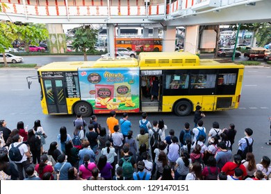 BANGKOK,THAILAND - JANUARY 18, 2019 : Many passenger waiting for the van and bus in rush hour after work at bus stop BTS chatuchak station Phahonyothin road chatuchak Bangkok, Thailand.