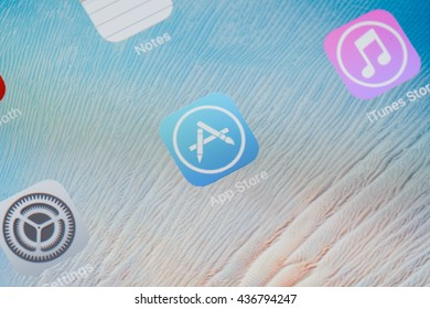 Bangkok,thailand - June 15, 2016: close-up photo of Apple iOS start screen focused on App Store application icon