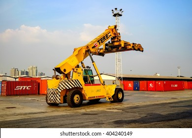 Bangkok-Thailand Mar 26 2016: Reach Stucker The vehicle industry in the Klong toey Port is responsible for transport of the container.