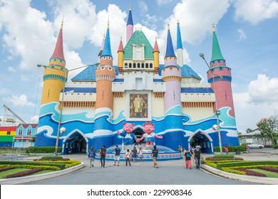 Bangkok,Thailand - November 08,2014 : People and Tourists visiting Siam amusement Park at the entrance of park in Bangkok,Thailand.