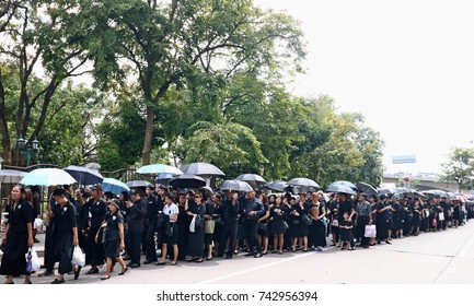 BANGKOK-THAILAND: People are going to attend to the devotions for the funeral of King Bhumibol Adulyadej on October 26, 2017