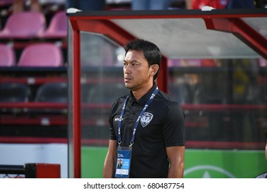 BANGKOK-THAILAND-28jun,2017:Tottawan sripan head coach of SCG muangthong in action during thaileague competition between MTUTD and chonburi fc at SCG Stadium,Thailand