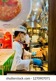 """Bangkok,Thailand-31December2018 : Pad Thai Thip Samai or Pad Thai Pratu Pi which translates to """"Ghost Gate Pad Thai,"""" as it's more commonly known,It's the most famous Pad Thai restaurants in Bangkok."""