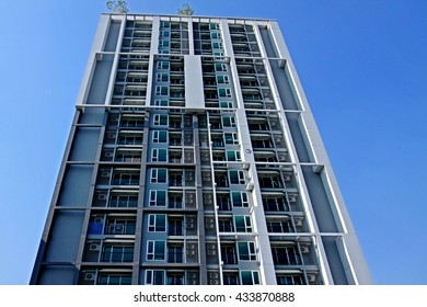 BANGKOK-THAILAND-APRIL 22 : Condominium building on blue sky on April 22, 2015 Bangkok, Thailand