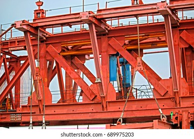 BANGKOK-THAILAND-FEBRUARY 19 : The crane for construction the concrete sky train in the city on February 19, 2016 Bangkok, Thailand.