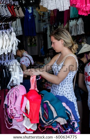 962ffb879ebb8 Bangkok Thailand February 52017 Young Girl Tourist While Stock Photo ...