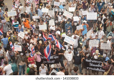 BANGKOK,THAILAND-JUNE 2 : Demonstrators from the anti-government V for Thailand group wear Guy Fawkes masks to protest against the government at the Central World on June 2, 2013 in Bangkok, Thailand.