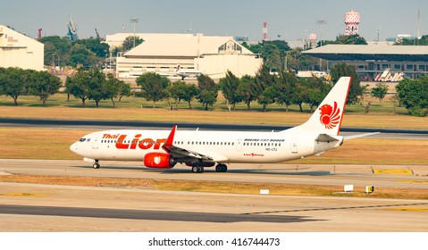 BANGKOK,THAILAND-March 20, 2016: Boeing 737-900 Thai Lion Air landed at Don Muang International Airport,Bangkok,Thailand on November 08, 2014.Thai Lion Airways is the new low cost airline in Thailand.
