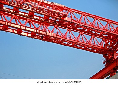 BANGKOK-THAILAND-MARCH 23 : Construction crane of concrete new sky train in the city on March 23, 2016 Bangkok, Thailand