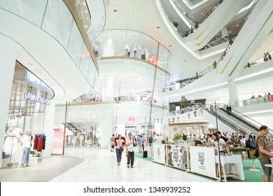 BANGKOK,THAILAND-MARCH,2019:H&M shop in ICONSIAM department store