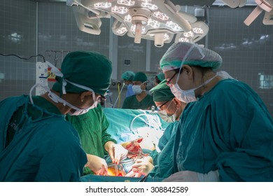 BANGKOK,Thailand-march:31, 2015:The doctor and staff are treating with open heart cardiac bypass surgery in full operation room