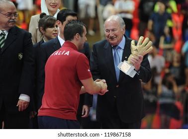BANGKOK,THAILAND-NOV 18 : Sepp Blatter awared Adidas Golden grove to Mammarella of Italy  in FIFA Futsal World Cup thailand 2012 on November 18, 2012 at Indoor Stadium Huamark in Bangkok Thailand.
