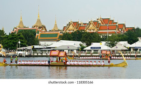 BANGKOK,THAILAND-NOVEMBER 6:The Royal Barge Procession Exercises on the occasion for Royal Kathin ceremony at Chaopraya river,on November 6,2012 in Bangkok,Thailand