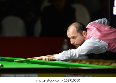 BANGKOK,THAILAND-SEP 3,2013: Joe Perry player of England in action during Snooker 6-Red World Championship 2013 at Montien Riverside? hotel on September 3,2013 in Bangkok, Thailand