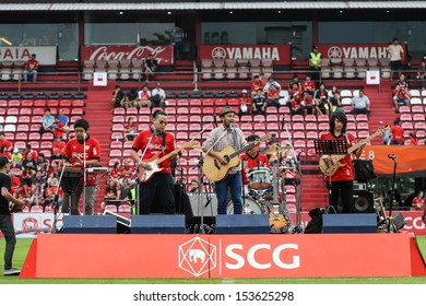 BANGKOK,THAILAND-SEPTEMBER 7: Singto Namchok band had perform before the game between MTUTD and Chonburi FC start at SCG Mungthong Stadium on Aug 25, 2013 in,Bangkok.