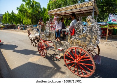 Bangladesh – March 30, 2020: Life under corona virus lockdown in bangladesh. Horse drawn carriage are providing transport services to the public during the Dhaka city lockdown.