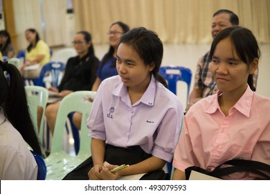 BANGPROK PATHUMTANI THAILAND OCTOBER 2016 :Unidentified teacher and student meeting for math camp on October 3,2016 in Pathumwilai school,Pathum,Bangprok,Muang,Patumtani,Thailand.