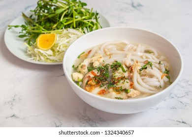 Banh Canh Ca Loc - Vietnamese Thick Noodle Soup