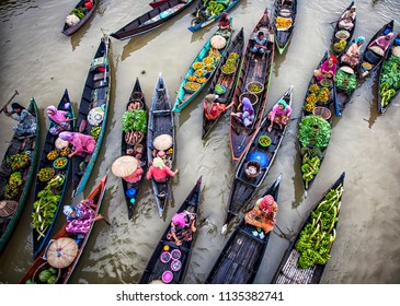 Banjarmasin, South Kalimantan, Indonesia 10/08/2016 : Traditional Floating Market at Lok Baintan, a very unique traditional market in the middle of Martapura river that operated mainly by women.