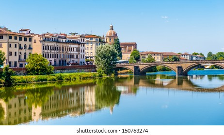 Bank of Arno and Ponte d'oro (Golden Bridge), Florence, Italy