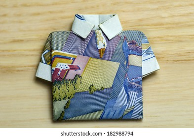 Banknote 20 swedish crowns folded as a shirt