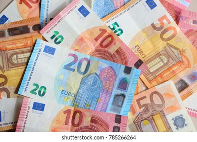 Banknotes of ten, twenty and fifty euros