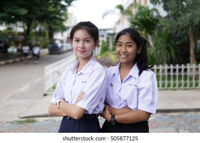 BANPROK PATHUMTANI THAILAND OCTOBER 2016 : Unidentified student group take a photo on October 28 2016 in Bangprok Pathumtani Thailand.