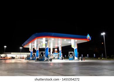 Banpru, Thailand - 07/10 / 2019 Oil station on night open beautiful lighting