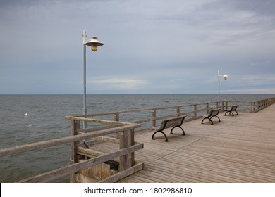 バンシン埠頭は、ユセドム島のバンシンの沿岸リゾート地に位置する埠頭で、インペリアルビーチから285メートルの間、バルト海に続く。
