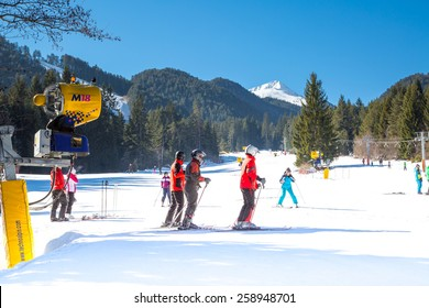 BANSKO, BULGARIA - February 19, 2015: Skiers on the slope in Bansko, Bulgaria