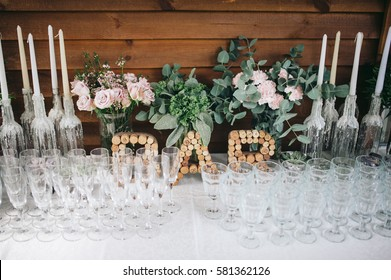 bar with candys on the wedding