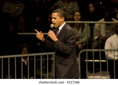 Barack Obama at indoor rally