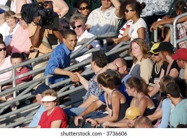 Barak Obama Campaigning