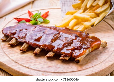 Barbecue pork ribs with french fries