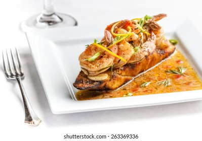 Barbecued shrimp on crusty bread